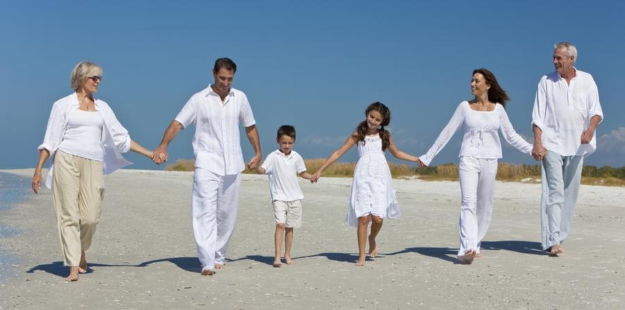 Lemuel-family-generations-beach-Mauritius